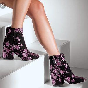 NWT Sam Edelman floral boots size5